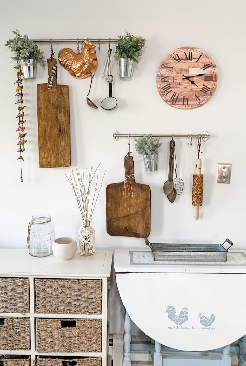 how to style kitchen pot rails